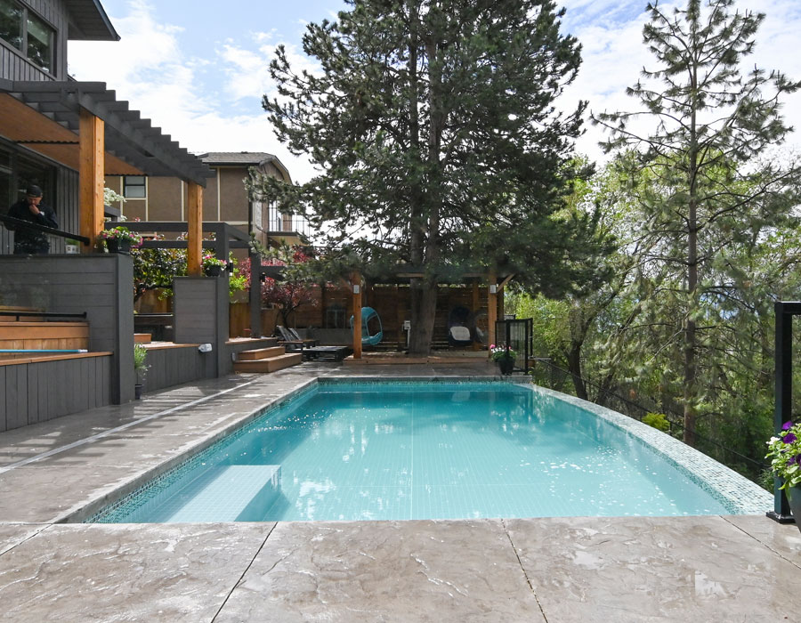 joe_and_sons_917_monashee_patio_after_2